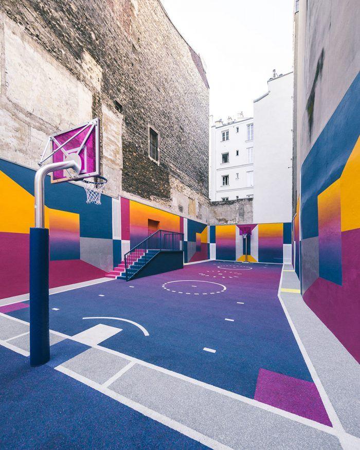 Košarkaški teren u bojama Sunca